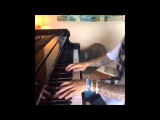 Justin Bieber: Now that's fast - playing the piano vine with King Bach - California, April 10, 2015