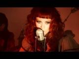 Karen Elson - The Ghost Who Walks