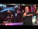 """Шведский сурдопереводчик Томми Крэнг """"поет и танцует за всех"""" на национальном отборочном туре Евровидения"""