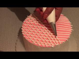 Как красиво украсить верх торта