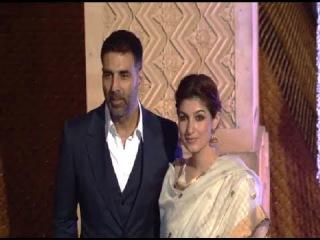 Акшай Кумари Твинкл Кханна на свадьбе родственницы Маниша Мальхотры