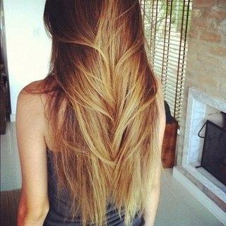 фото девушек сзади с русыми волосами