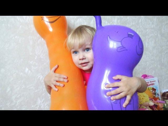 Огромный надувной червяк Алиса и надувные шарики