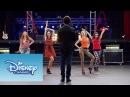 Violetta Momento Musical Cami Fran Naty y Ludmila cantan Encender Nuestra Luz