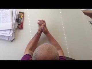 Реабилитация на дому после инсульта. Упражнения для рук, сидя за столом (локти)