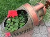 Как украсить сад и дачу. Кувшины в саду