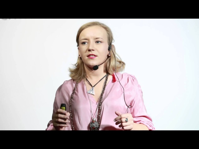 Мерцающая личность | Анна Шарлай | TEDxPokrovkaSt