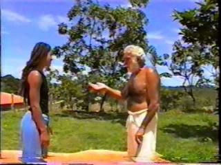Iesambi: Mestre Armando Wrietz, Sonja e Milka no Jiu Jitsu. Bella, Salete e Cici. 10abr04. 01