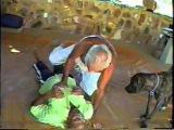 Iesambi: Mestre Armando Wrietz, Sonja e Milka no Jiu Jitsu. Bella, Salete e Cici. 10abr04. 02