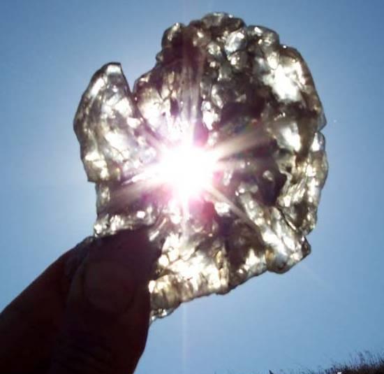 Кристаллы гипса, найден на Керченском полуострове
