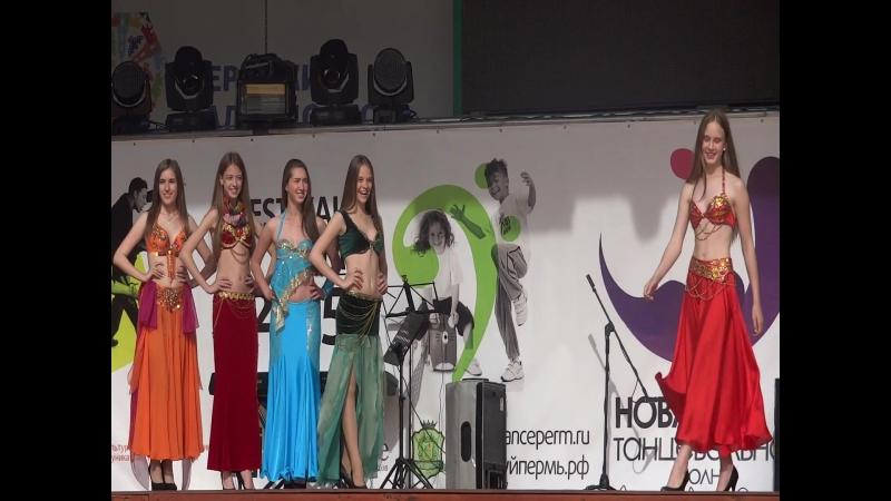 Показ коллекции костюмов для арабских танцев (парк Горького, Новая танцевальная волна, 14 июня 2015)