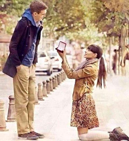 девушка делает предложение, Двойные стандарты, мужчина и женщина
