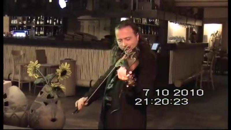 Alexander Lapidus в ресторане Дерёвня г. Донецк 2010 год