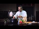 Шеф-повар Гунджи Хироюки готовит куриный рулет с овощами на пару в мультиварке REDMOND 250