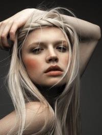 Модель на окрашивание волос москва