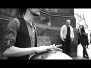 Street player plays Hang drum insanely