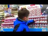 Покупаем много сладостей и конфет shopping a lot of sweets and chocolates