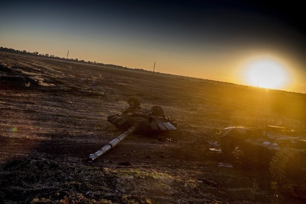 Сгоревшая военная техника на Украине