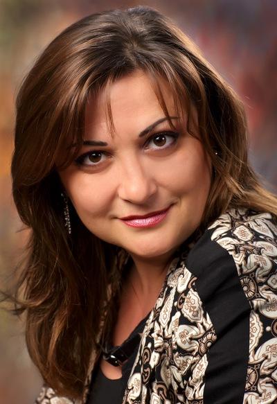 Олена Чернявська