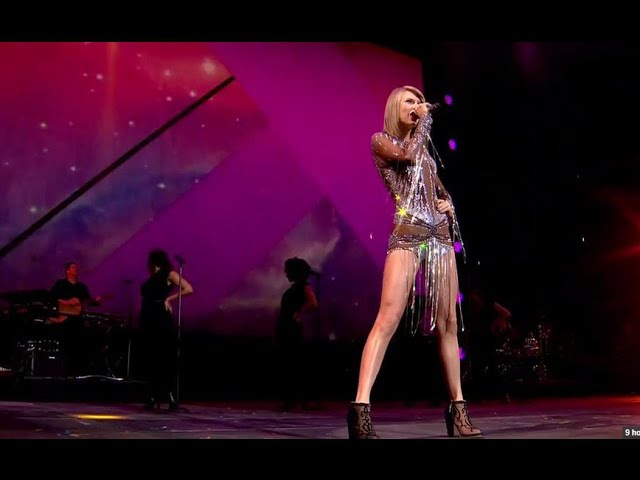 Taylor Swift - Love Story | LIVE at Radio 1's Big Weekend 2015