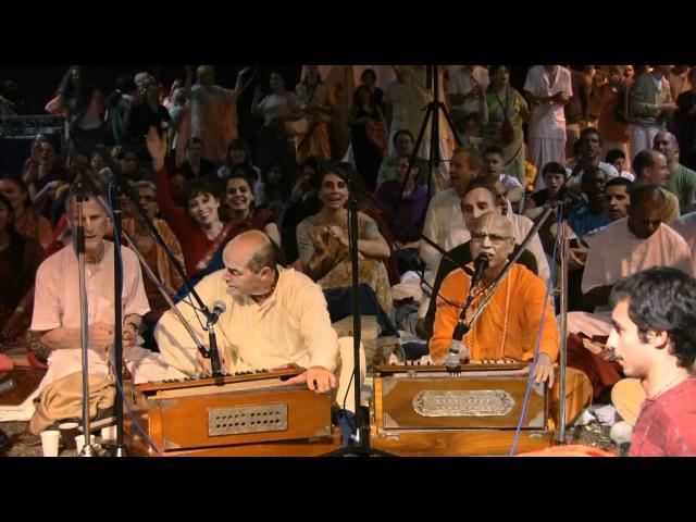 Kirtan Mela Nama Yagna with H.H. Lokanath Swami 02.09.2011