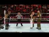 (WWEWM) ВВЕ РО 19.10.2015 - Дин Эмброуз, Роман Рейнс и Сет Роллинс против Семьи Уайатта