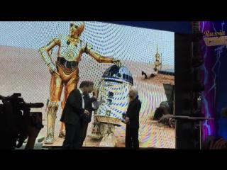 Энтони Дэниелс (C-3PO) на КомикКон - вариант 3