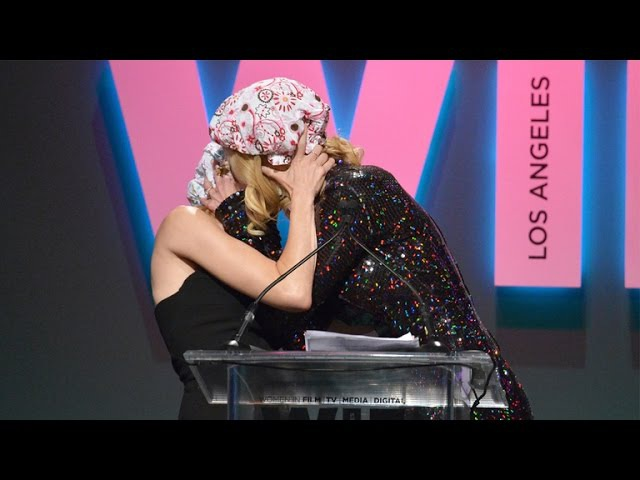 Naomi Watts Makes Out With Gal Pal Nicole Kidman on Stage!