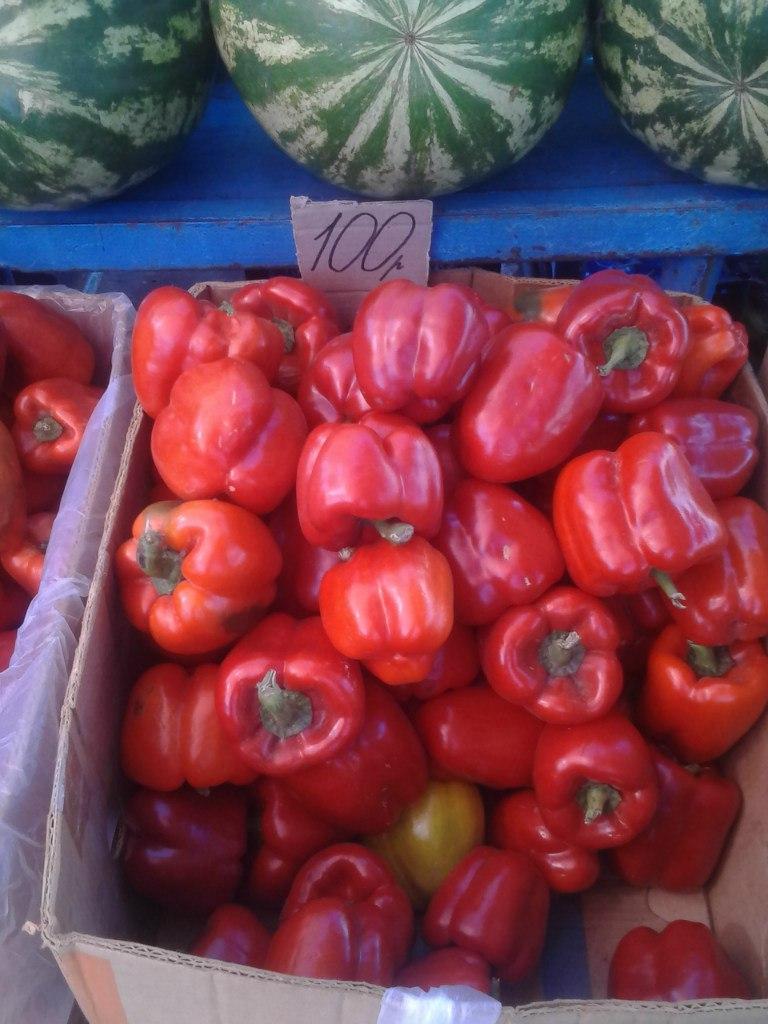 Цены на продукты в Донецке. Всё в рублях. Фотографии прилавков.