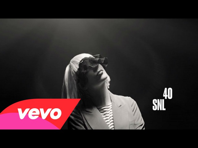 Sia - Chandelier (Live on SNL)