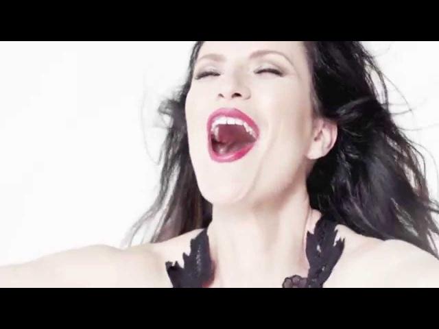 Laura Pausini - Sino a ti (with Thalia) (Official Video)