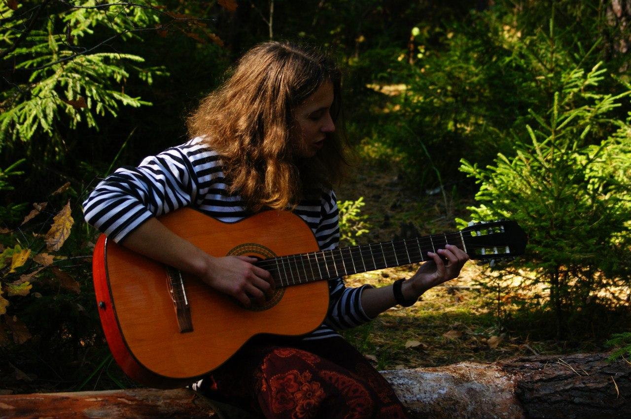 Алёник и гитара