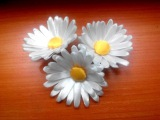 Kanzashi. Daisy of satin ribbons Канзаши. Ромашка из атласных лент