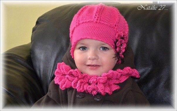 Conjunto gorra y bufanda para niñas en crochet