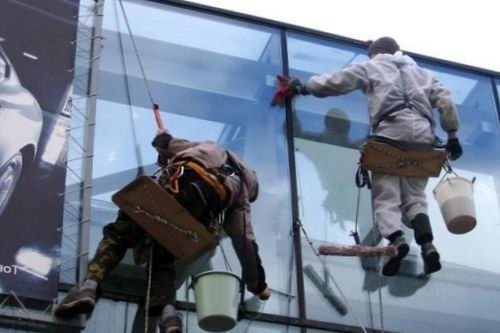 Мытье витражей и стеклянных фасадов