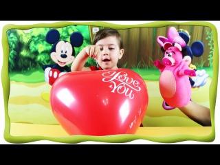 Играем, лопаем шарики, игрушки из киндер сюрприза Маша и медведь, в каждом шарике игрушка сюрприз