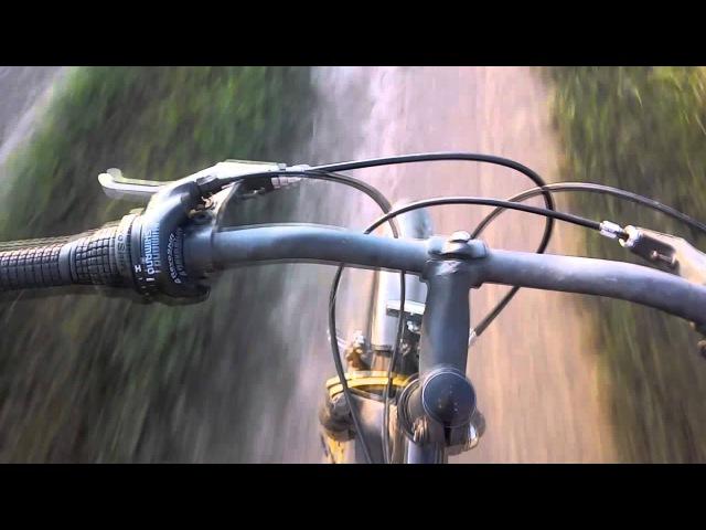 I7Stolc решил прокатиться в поле на велосипеде.