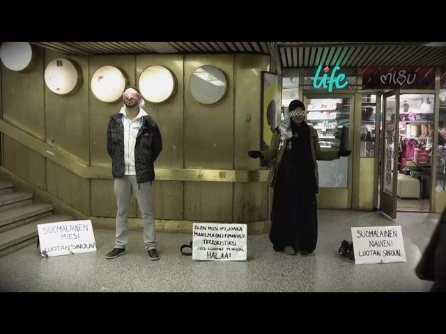 Kioski social experiment, osa 2: Olen muslimi, halaa jos luotat minuun