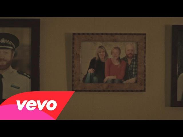 Bring Me The Horizon - True Friends (Official Video)