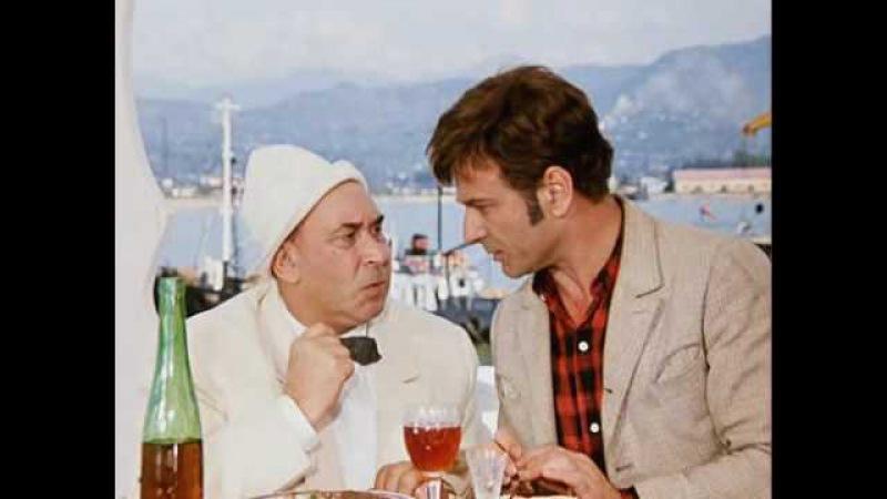 Двенадцать стульев (1971) любимый момент из кино:Я дам Вам парабеллум, будем отстреливаться