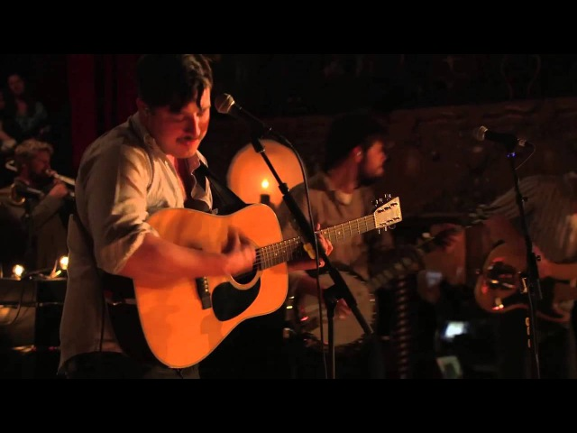 Exclusive Mumford Sons Performs Holland Road