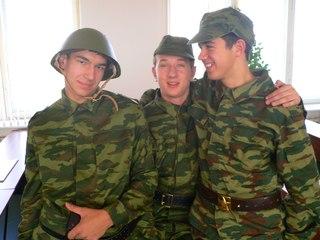 Фалосом порка парней армия