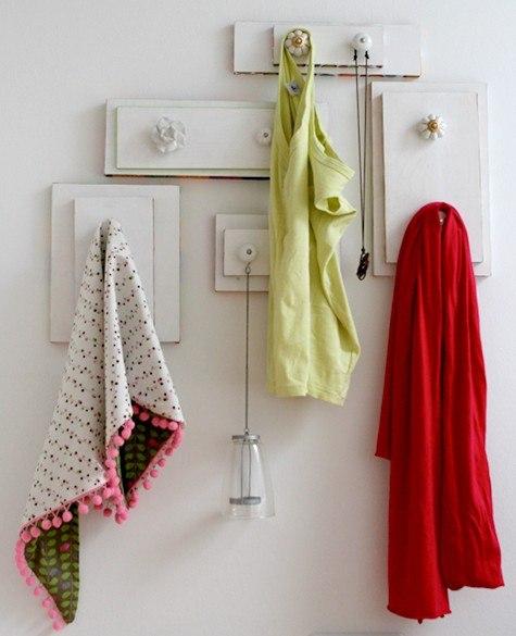 Materiales gráficos Gaby: Percheros reciclados para baño o cocina