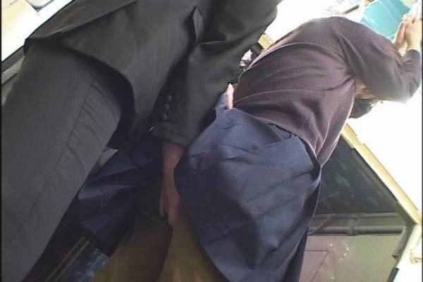 Смотреть парень лапает телку без лифчика в автобусе, порно ролики онлайн за последние три дня