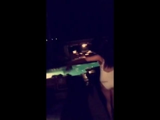 Selena gomez  haliee steinfeld dancing to love myself at a party at selenas house in calabasas