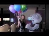 Сюрприз в День Рождения для любимой подруги везет мишка неожиданно в кафе романтический сюрприз для девушки доставит мишка на д