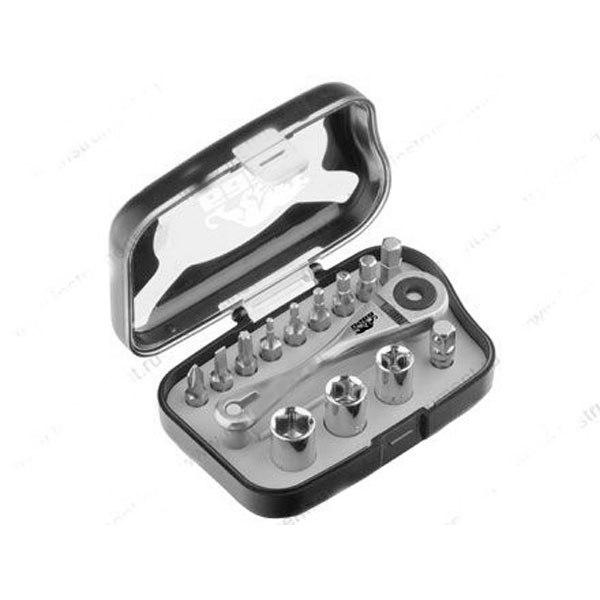 Т-образная реверсивная отвертка с магнитным стержнем , трещеткой и набором бит 16 шт   БАРС