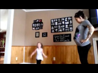 Pregnant mother and young daughter Dance | Pregnant Mom & Adorable Daughter ...