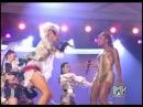 Gwen Stefani feat. Eve - Rich Girl live@Grammy Awards
