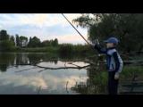 Уловистая рыбалка на карася. Дети ловят рыбу